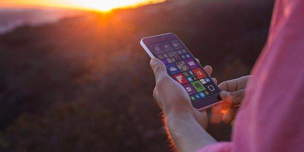 Microsoft прекращает продажу своих смартфонов в России